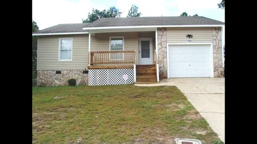 Private 3BR 1.5BA, Dogs Welcome