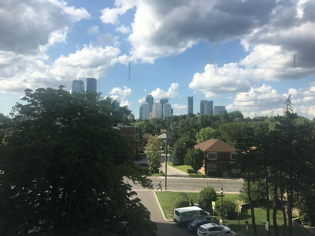 4m walk to davisville subway. Nice view