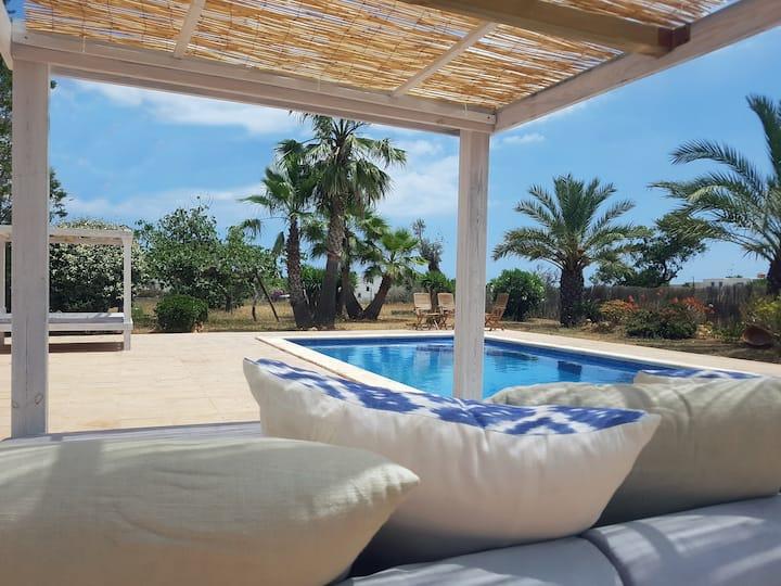 Villa Suki Ibiza: Outstanding location and value