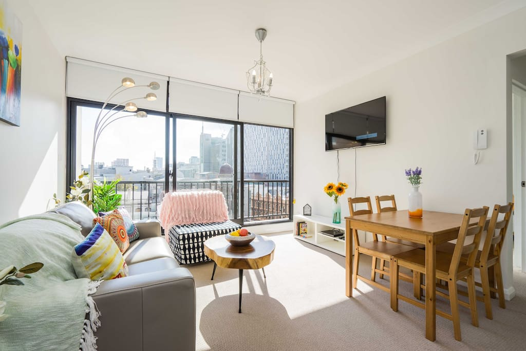 Modern and newly renovated, this relatively spacious one  bedroom apartment boasts a central location and views of Sydney down town.