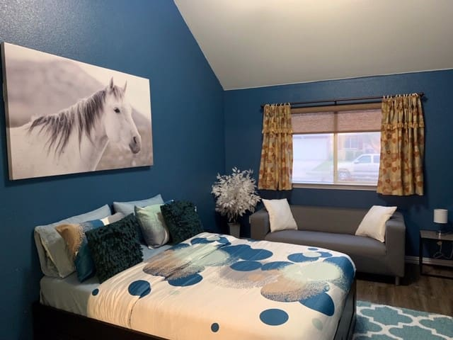Bedroom 1 - Modern and Comfortable
