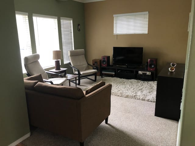 SE 1 Bd Apt By Division, Hawthorne, and Woodstock