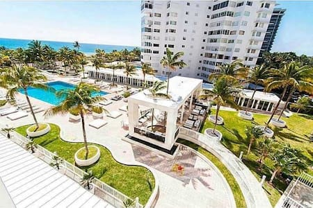 Bal Harbour Luxury Bay View Condo! - Bal Harbour