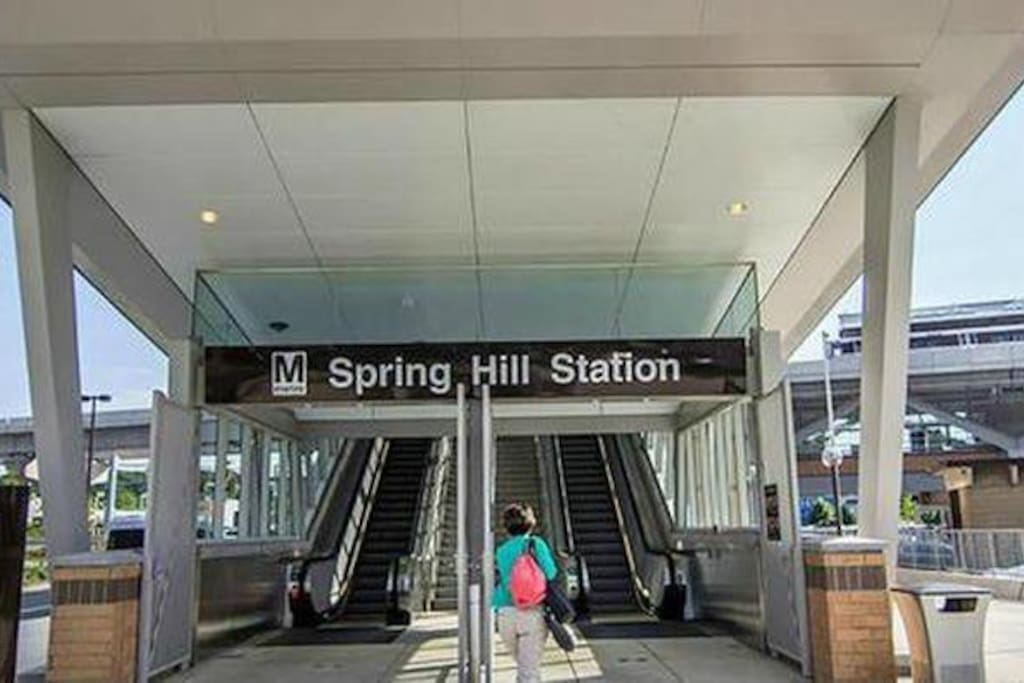 Silver Line metro station just 11 minute walk away
