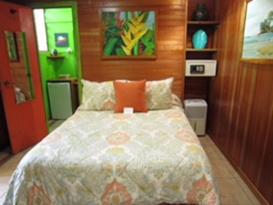 Bedroom with Matrimonial bed, A/C, wifi, safe, fridge and SKY TV