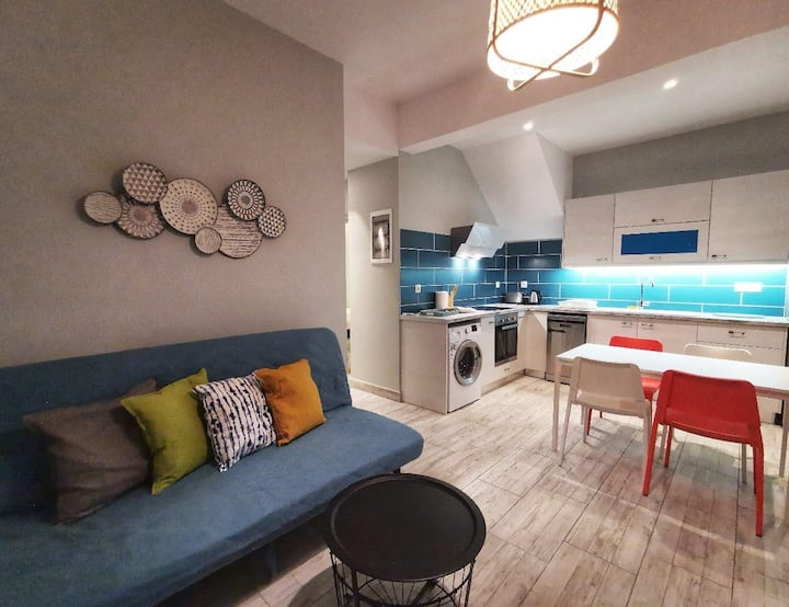 Pillbox Seafront Family Apartment