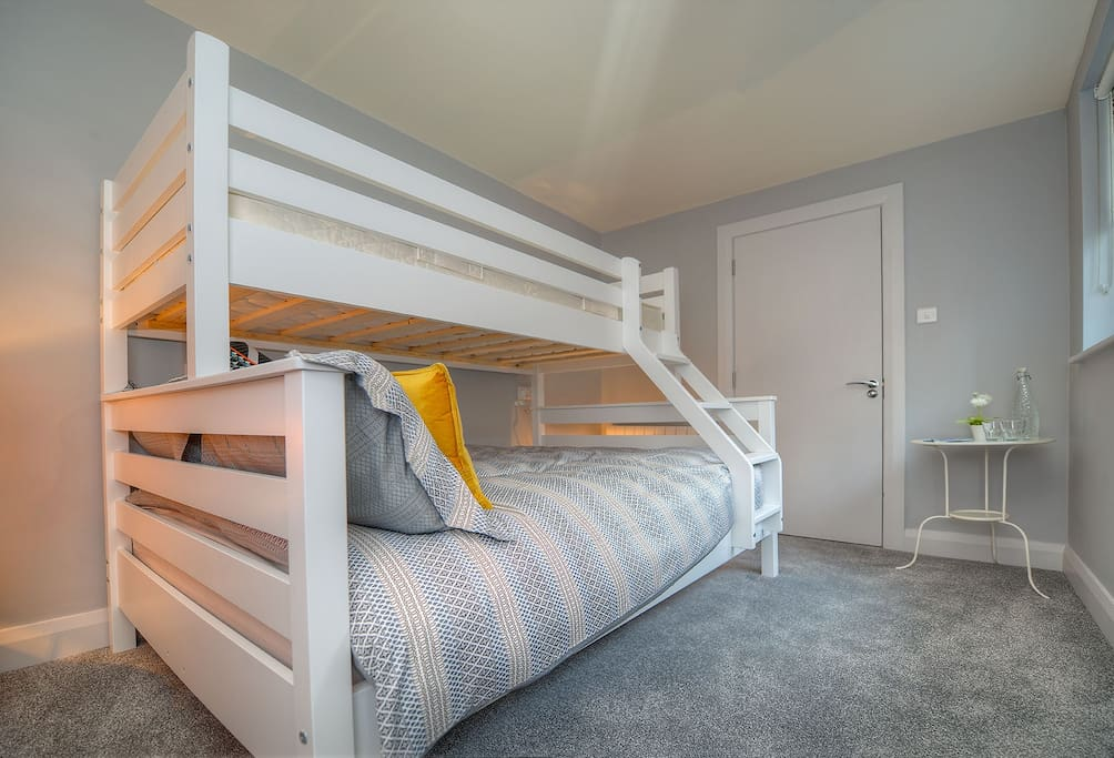 Room 4 with bunk