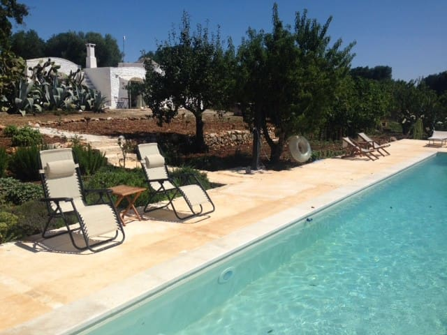 Trullo Nandina with pool