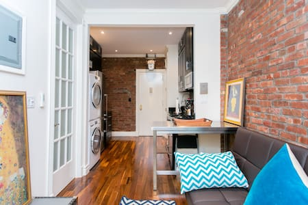 Luxury 1BR SoHo Loft! A+ LOCATION!
