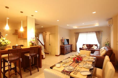 """Affordable Luxury"" in Chiang Mai - Villa"