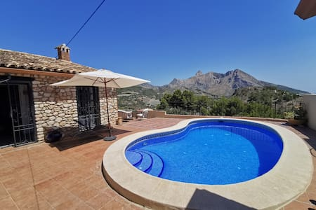 Beautiful stone-built villa with stunning views