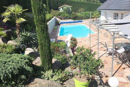 Chambre - villa avec piscine, EURO 2016 St-Etienne - Villars