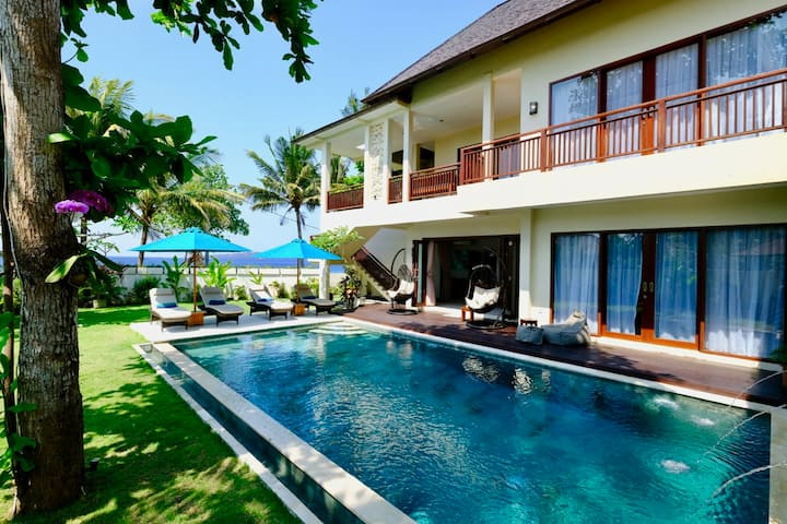 Villa Sanika, beachfront paradise in Bali