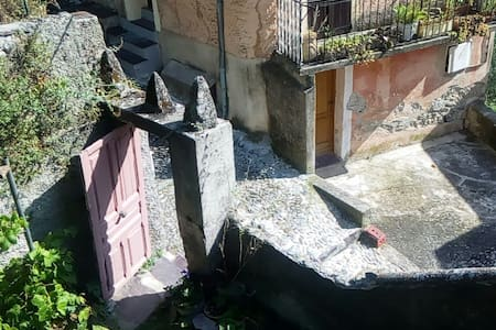 Appartement entre mer et montagne - Saorge