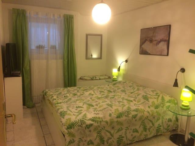 Ruhiges Zimmer mit eigenem Bad in Pansdorf