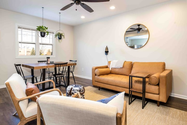 Cozy Crown Point Square Getaway - No Cleaning Fee!