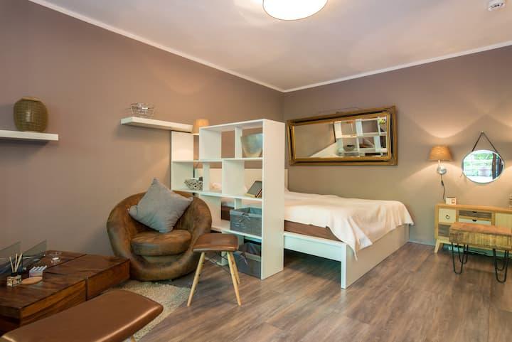 Stylishes Apartment mit PKW-Stellplatz & Terrasse