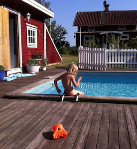 Family-friendly country house with pool - Gnesta - Huis