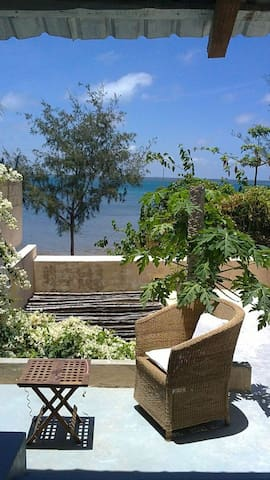 Casa Annie - Great stone town location on Ilha