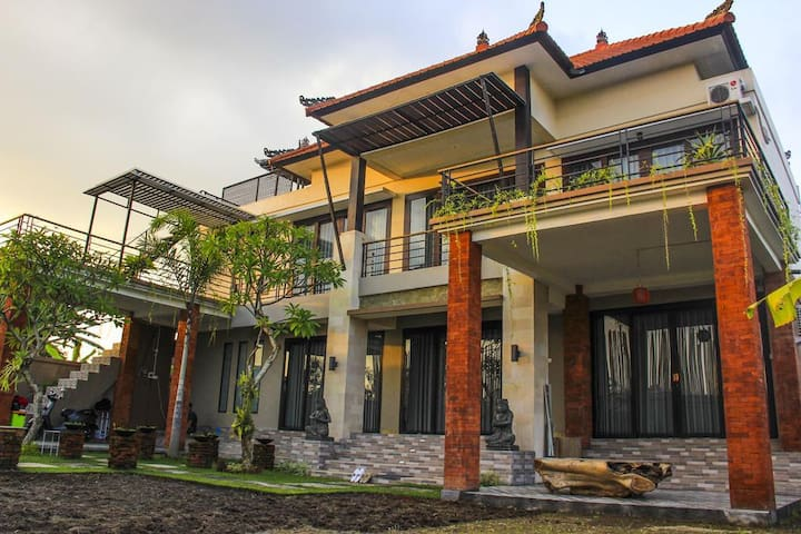 Room with 2 Single Beds in Homestay Keramas Bali
