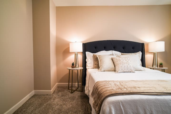 Overland Park 2-bedroom perfection - Overland park - Apartament