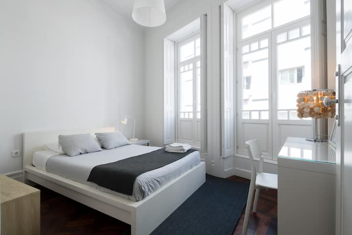 Baixa24 - City Center Private Sun Deck Apt Room 2