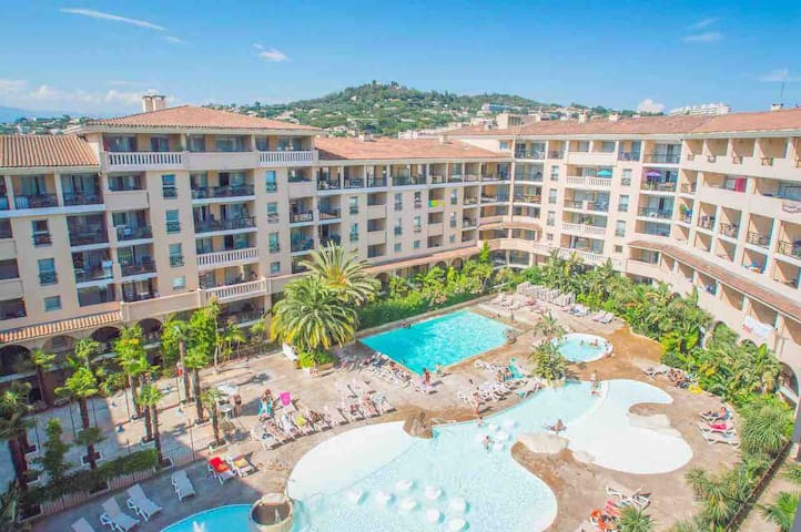 Appartement Bord de Mer/piscine/Terrasse/Parking