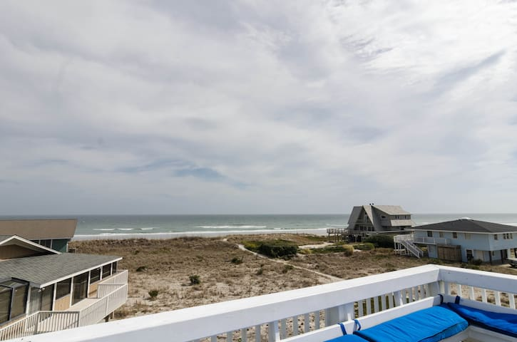 Place Cottage-Amazing family friendly oceanfront home awaits!