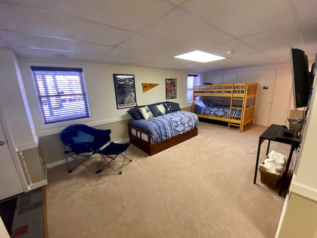 Bedroom 3 - Bunk twin beds, twin daybed  that converts to king, 1/2 bath