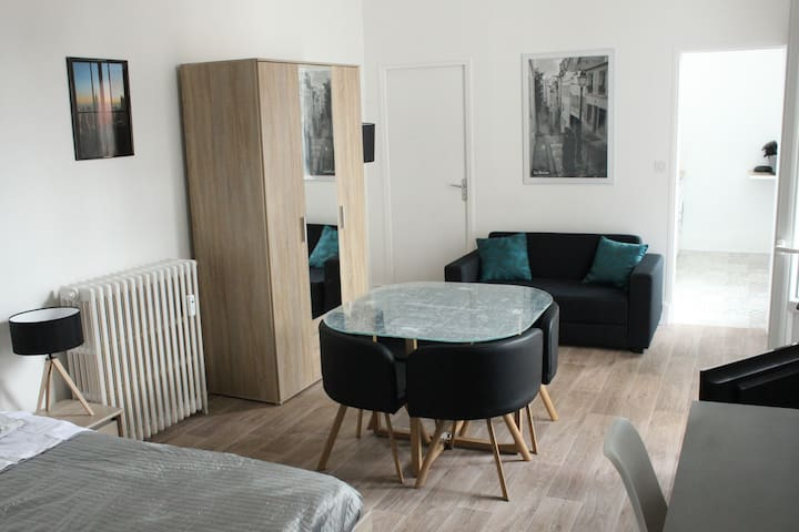Tres bel appartement, plein centre de Vichy, 03200