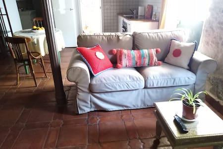 Estudio Almanzora en Arenas de San Pedro.