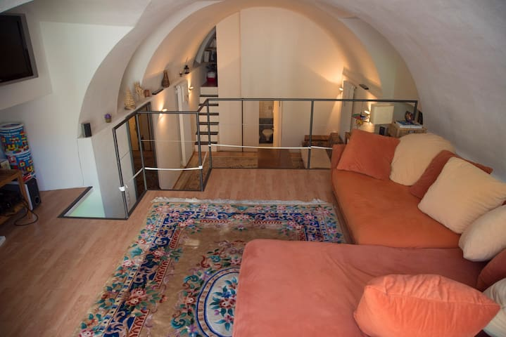 Wonderful spacious and cozy loft - Splügen - Byt