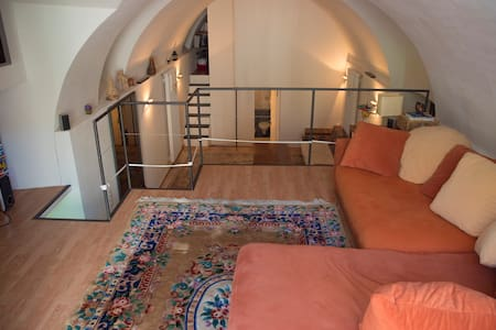 Wonderful spacious and cozy loft - Splügen - Pis