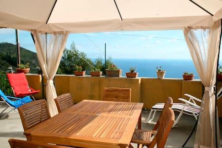 """Holiday house """"Brezza di Mare"""" - Costa"""