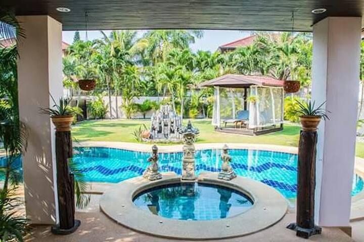 Pattaya Hill Luxury Villa Mike Orchid Resort - Pattaya City - Villa