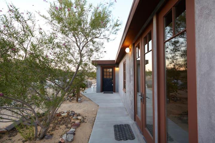 Desert Dreamhouse in Joshua Tree - Joshua Tree
