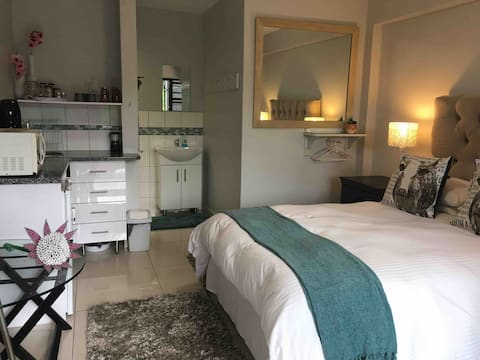 Mountain view suite on the Helderberg wine route