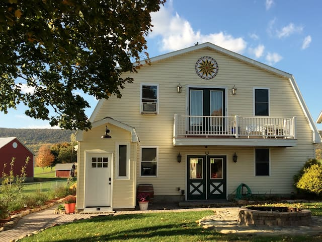 Lakeside Carriage House B&B at Leaser Lake - Kempton - Penzion (B&B)