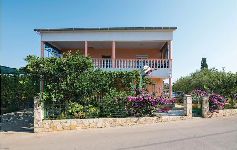 Holiday apartment with 2 bedrooms on 71m² in Zadar