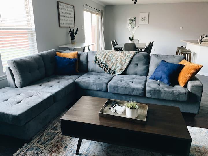 Urban Hang Suite Home