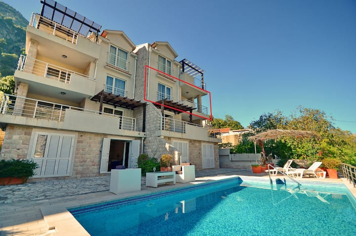 Lux apartment with pool & balcony