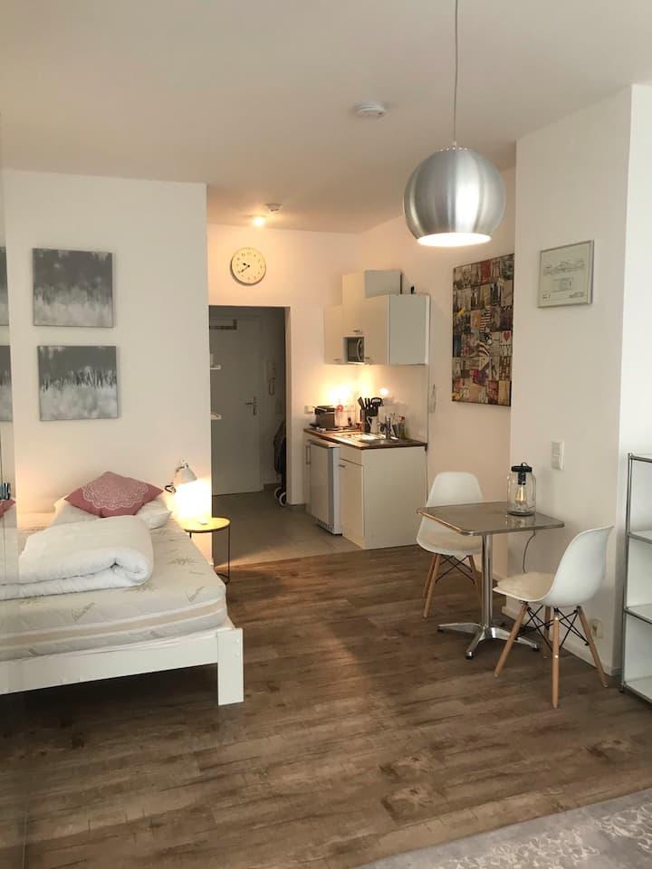Voll ausgestattetes Studio Appartement