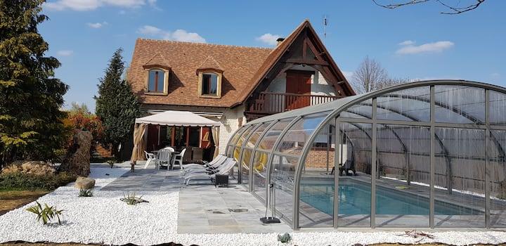 Maison familiale,jacuzzi,piscine couverte chauffée