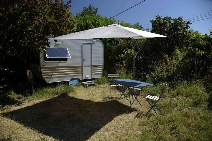 Caravane dans jardin avec piscine - Villenouvelle - Rumah