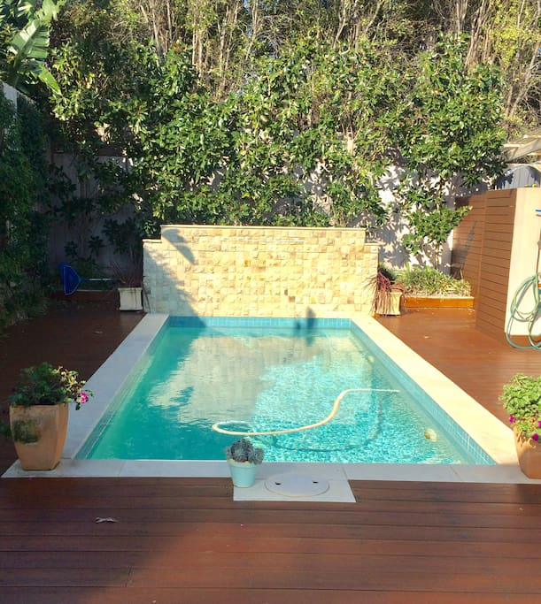 Swimming pool, with deck