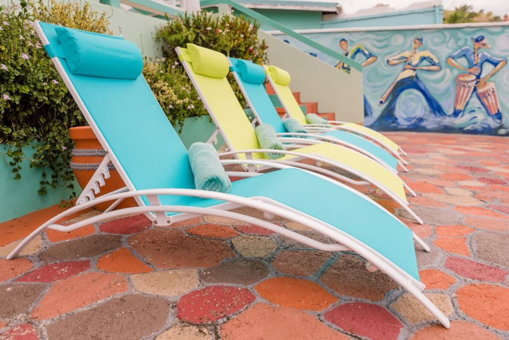 Outdoor Pool Chairs