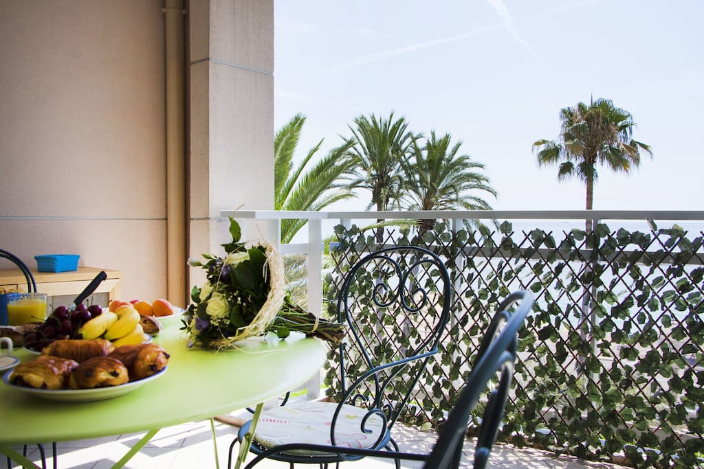Terrace with perfect sea view