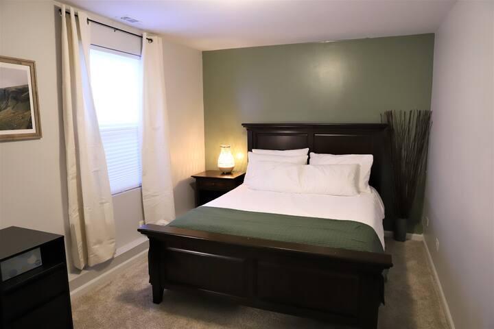 Back (master) bedroom