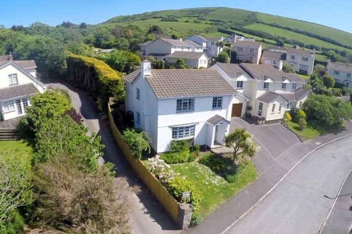 CROYDE WHITE HOUSE |  Low Occupancy Rates Available to end of 2020| Large, dog-friendly family home