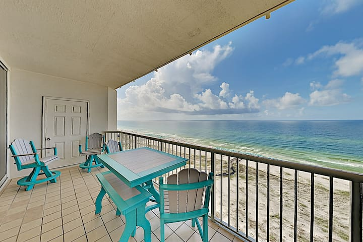Beachfront Condo w/ Big Gulf Views, Pool & Hot Tub